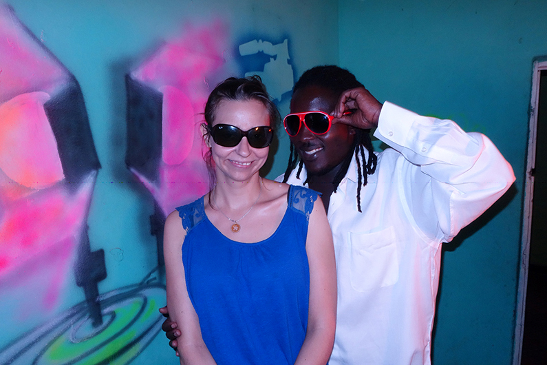 Ivo and me in Kigali, Foto: Heide X, Inszenierung: Ivoleson Isaac und Marie Köhler