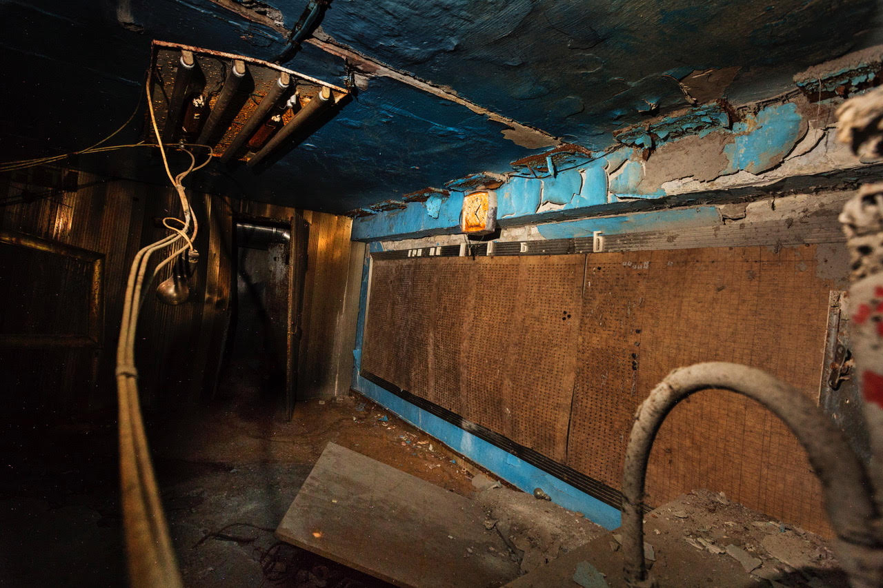 """Inside the """"belly of the beast,"""" destroyed Chernobyl reactor No. 4.© Gerd Ludwig"""